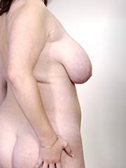 Mollige Sarah mit Brüsteselfie