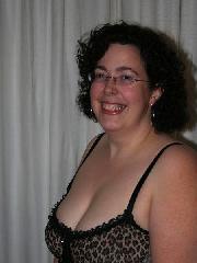 Rundliche Dame Marie in sexy Wäsche hat eine XXL Oberweite