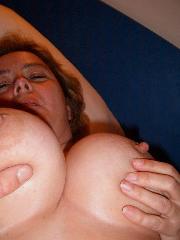 Brüste Privatfoto von deutscher Doppel D BBW