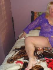 Reife Bremerin, 57 Jahre, zeigt sexy Unterwäsche Bilder von sich