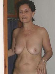 Nacktfoto von reifer Kati aus Traunstein