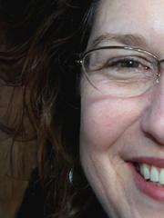 Strapsenfrau Simone in Reizwäsche vor der Webcam