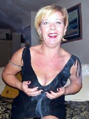 Reizwäsche Dame aus PLZ 157 sucht Ihn