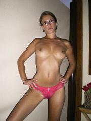 Nacktpic und sexy Body von deutscher Schlampe Rini