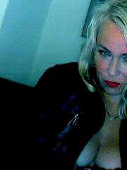 Real und Sexcam mit stilvoller Frau mit Stil aus dem Raum Kiel
