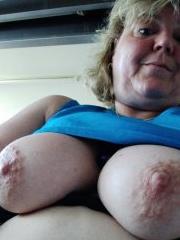 Große Nippel von Christa