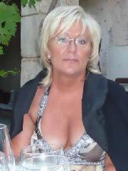 Reife Frauen über 60